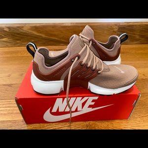 Nike Air Presto..Rust colored